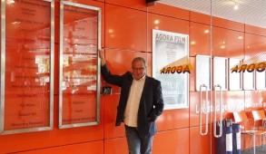 Jan Gras met wand businessclub