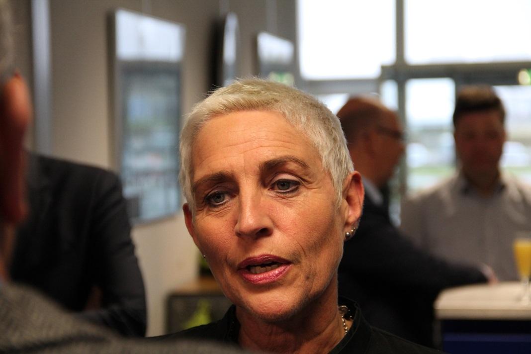 Staatssecretaris Wilma Mansveld. (Foto: Kees Bakker): flevozine.nl/nieuws/passagiers-lelystad-airport-komen-eraan