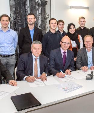 Ondertekening overeenkomst De Flevolandse Zaak 03-02-2017 -  Fotostudio Wierd (3)