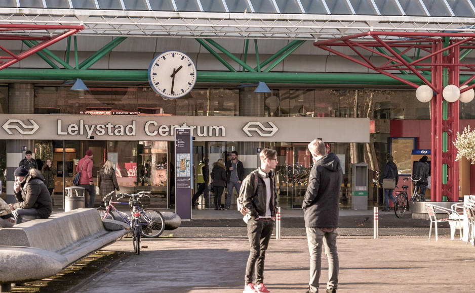 Foto 2, Lelystad Station, bronvermelding Karel Staa