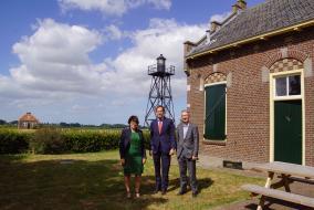 Foto ondertekening realisatieovereenkomst Nieuwe Natuur bij Schokland 1