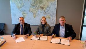 2019-11-ondertekening-mou-avag-greentech-raixs
