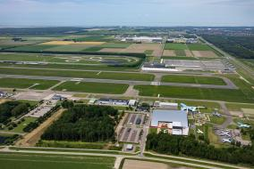 Lelystad Airport en omgeving ©FotostudioWierd